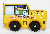 Toczą się koła Tomek i jego traktor