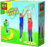 Kreatywna zabawa z bańkami mydlanymi Stać w mega bańce