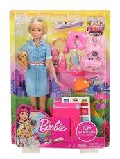Barbie z pieskiem w podróży