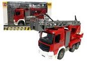 Wóz straży pożarnej 1:20 Double E gasi pożar