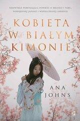 Kobieta w białym kimonie