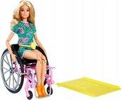Barbie Fashionistas. Lalka na wózku