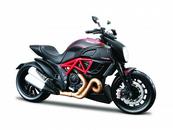 Maisto 31101-71 Motor Ducati Diavel Carbon 1:12