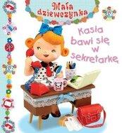Mała dziewczynka - Kasia bawi się w sekretarkę