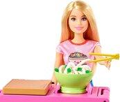 Barbie lalka + zestaw Domowy makaron GHK43