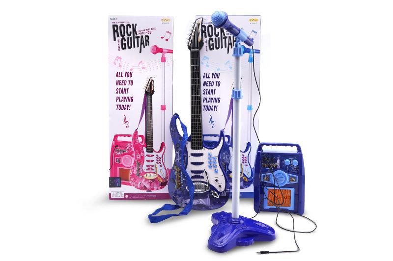 Gitara z mikrofonem i wzmacniaczem